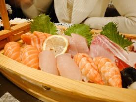 Sashimi mit Sushi