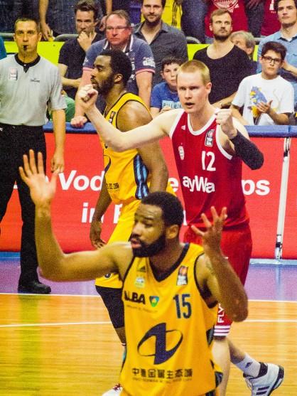 20150604_Basketball_00307-bob
